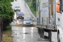 prívalový dážď zaplavené ulice cesty