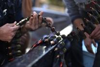 USA dodali vzbúrencom na severe Sýrie strelivo do ručných zbraní