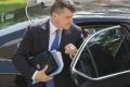 Školskí odborári odovzdali ministrovi Plavčanovi petíciu