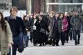 Záujem firiem o zahraničných zamestnancov podľa personalistov stúpa