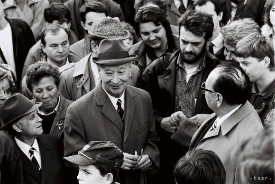 Výsledok vyhľadávania obrázkov pre dopyt 1989 dubček revolucia