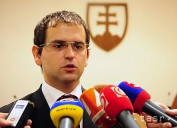 A. Kiska pri vymenovaní ústavných sudcov pochybil, tvrdí R. Madej
