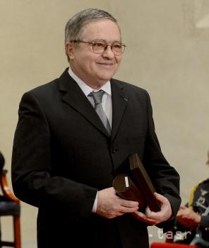 Martin Činovský je autor a rytec prvej príležitostnej poštovej známky