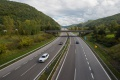Rošírenie diaľnice medzi Bratislavou a Trnavou sa o rok oneskorí