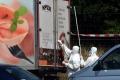 Otrasný nález otriasol Európou: 71 migrantov našlo smrť v dodávke