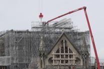 Odstraňovanie lešenia z Notre-Dame