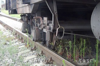 Pod kolesami vlaku dnes podvečer zahynul muž