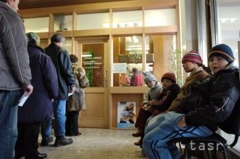 Pre nárast počtu chrípkových ochorení zatvorili 17 škôl na území kraja