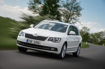 Na trhu je nová Škoda Superb s dizajnovými a technologickými novinkami