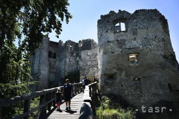 Súčasné umenie v kontraste s hradom Uhrovec predstaví nový program