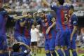 Fanúšikovia hádzali fľaše do hviezd Barcelony. Valencia dostala pokutu
