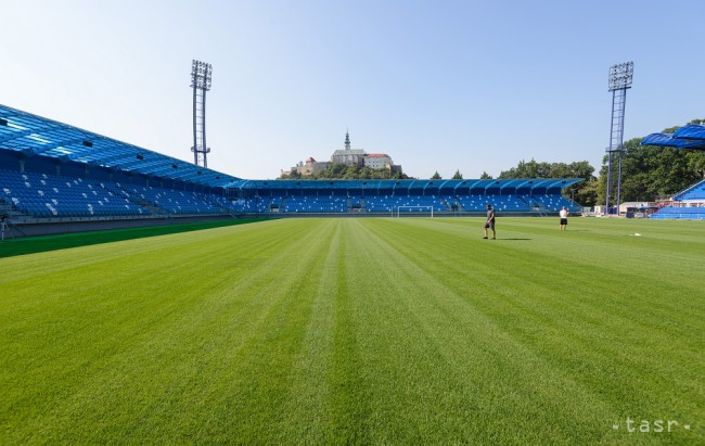 dfe84e35ba716 Na snímke rekonštrukcia futbalového štadióna FC Nitra 25. júla 2018. Foto:  TASR/Henrich Mišovič