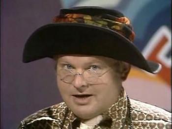 Pred 95 rokmi sa narodil britský komik Benny Hill