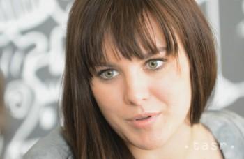 Ewa Farna pripravuje akustické turné, príde aj do Bratislavy