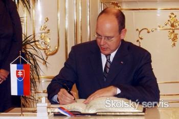 Monacké knieža Albert II. bude mať 55 rokov