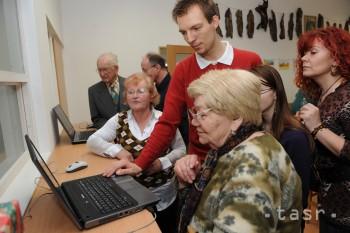 Ružomberskí seniori majú možnosť ďalšieho vzdelania