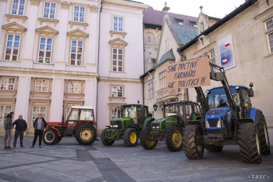 a1192baa5 Nespokojní farmári prišli do Bratislavy rokovať o stave v agrorezorte