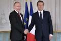 Stretnutie Macrona a Putina zrejme dlhodobo ovplyvní vzájomné vzťahy