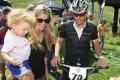 Bývalý cyklistický velikán Armstrong sa zasnúbil s priateľkou Annou