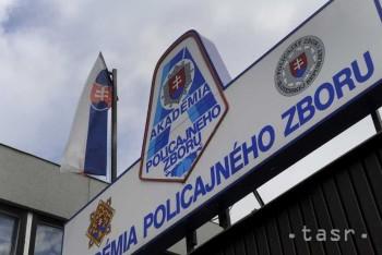 Policajná akadémia nemá ani rok po úplatkárskej kauze rektora