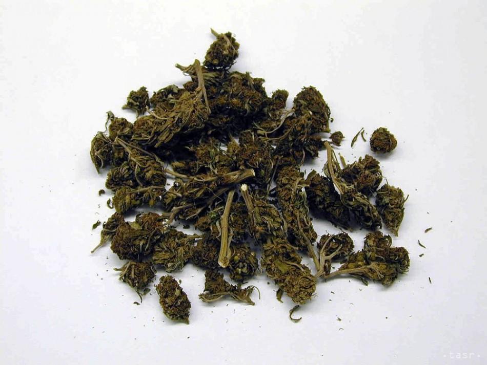 Colníci z Veľkého Medera objavili v kinder vajíčku marihuanu
