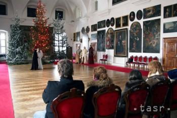 Bojnický zámok ponúkne nočné prehliadky vo vianočnom šate