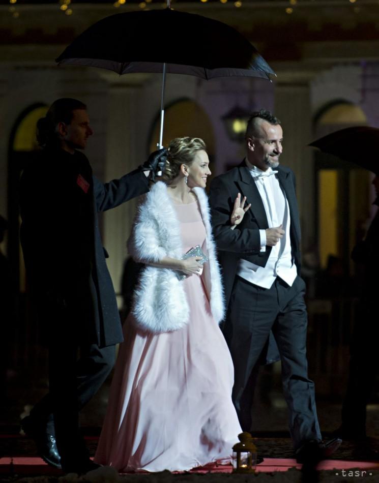 1a26ea17918b Začína sezóna tanca a oslnivých rób. Otvoril ju Ples v opere