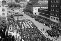 PRIESKUM: Slováci si pamätajú grandiózne oslavy 1.mája bývalého režimu