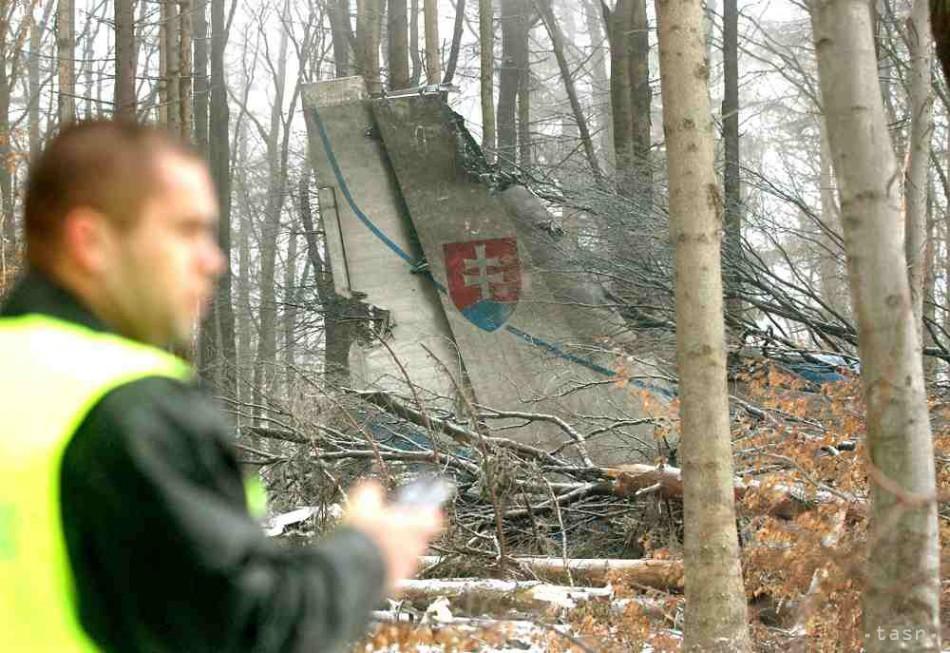 59916d3e3c Vojenské lesy a majetky SR rekonštruujú pietne miesto na vrchu Borsó