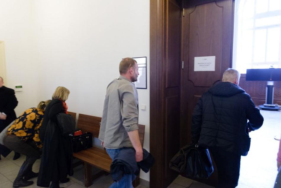 V kauze Mariatchi vypovedala pred súdom v Nitre trojica poškodených
