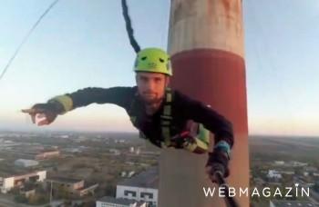 VIDEO: Mladí ľudia skočili z komína, pozrite si ich voľný pád