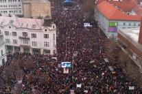 Protestné zhromaždenia Za slušné Slovensko na Náme