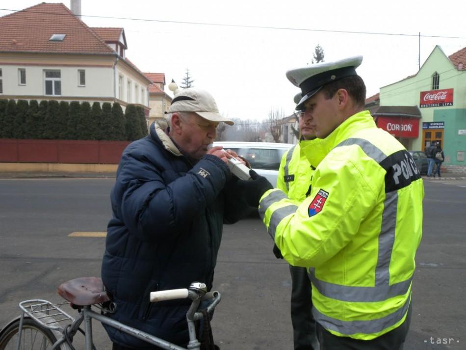 934c7d9d6 Policajti narazili aj na cyklistov, ktorí išli príšli rýchlo
