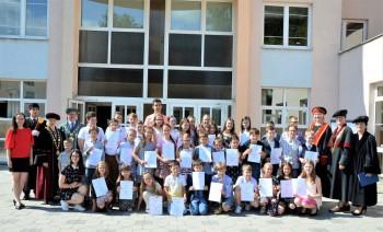 Banská Bystrica: Detskú univerzitu UMB absolvovalo tento rok 39 žiakov
