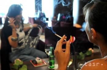 Bezdymové cigarety sa už predávajú aj u nás, majú obmedziť škodliviny