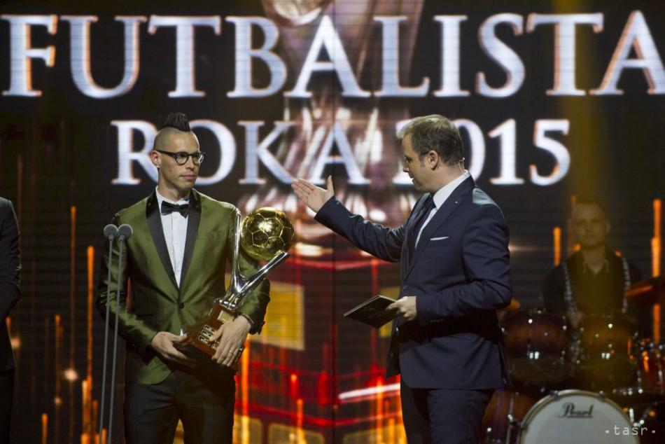 34971a9a6 Hamšík je najlepším futbalistom roka. Cena P. Dubovského patrí Berovi