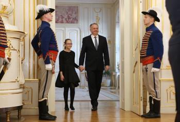 Prezident A.Kiska prijal Kristínku, ktorá chce byť prezidentkou
