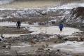 V Rusku obnovili pátranie po nezvestných po pretrhnutí priehrad