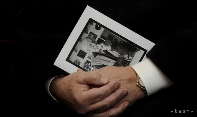 38a61acd3 Ilustračné foto Foto: FOTO TASR/Martin Baumann. Významnou oblasťou  literárnej aktivity Milana Rúfusa je esejistická ...