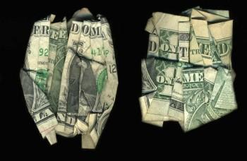 Videli ste už peniaze rozprávať? My áno – o vojne a mieri