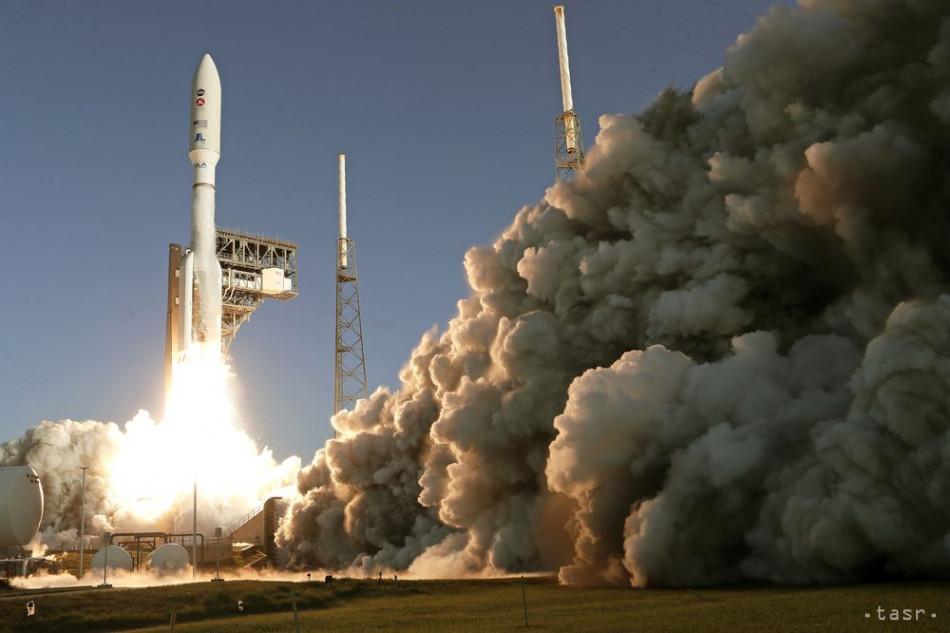 Z Mysu Canaveral v americkom štáte Florida odštartovalo vo štvrtok 30. júla 2020 k planéte Mars robotické vozidlo Perseverance, ktoré by vo februári budúceho roka malo pristáť na červenej planéte.