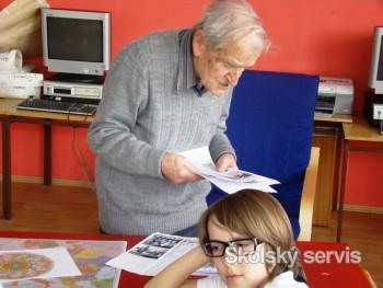 Národopisný zberateľ J. Lazorík prednášal nadaným prešovským školákom