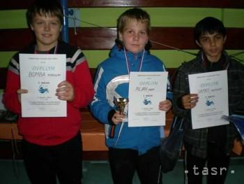 Žiaci ZŠ I.B.Zocha v Revúcej sa stali kráľmi turnaja v stolnom tenise