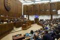 Poslanci pokračujú v rokovaní, čakajú ich návrhy rezortu zdravotníctva