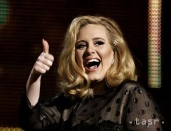 Najpredávanejšou interpretkou roka 2015 je britská speváčka Adele
