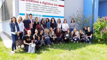 Markeťáci Via Humana a exkurzia - Západoslovenské tlačiarne Skalica