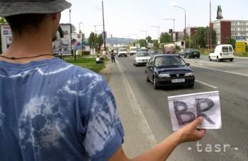 Autostop už nie je iba lacnou dopravou, ale hlavne životným štýlom