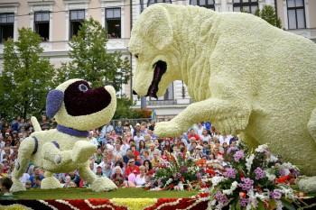 Kvetinový alegorický voz na 48. Debrecínskom kvetinovom festivale v Debrecíne v Maďarsku 20. augusta 2017.
