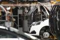 Šéf PSA ubezpečil Merkelovú, že prevzatie Opelu závody neohrozí
