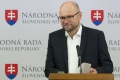 NAŽIVO: Mimoriadny brífing predsedu strany SaS Richarda Sulíka